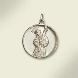 Medalla en plata con la silueta de Jesús del Gran Poder. 26 mm.